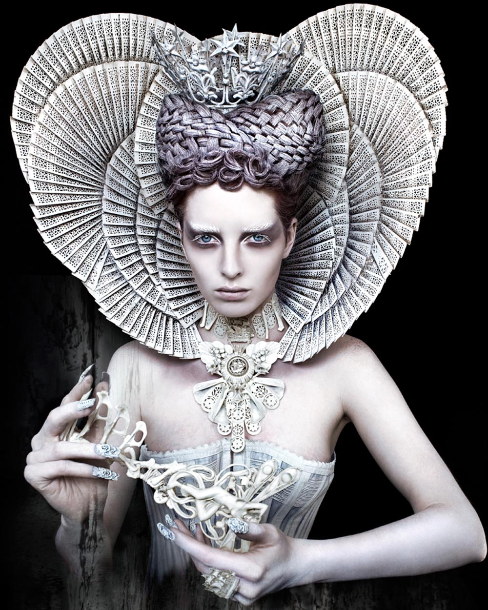 KIRSTY MITCHELL white queen