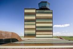 B720 ARQUITECTOS LLEIDA-ALGUAIRE AIRPORT
