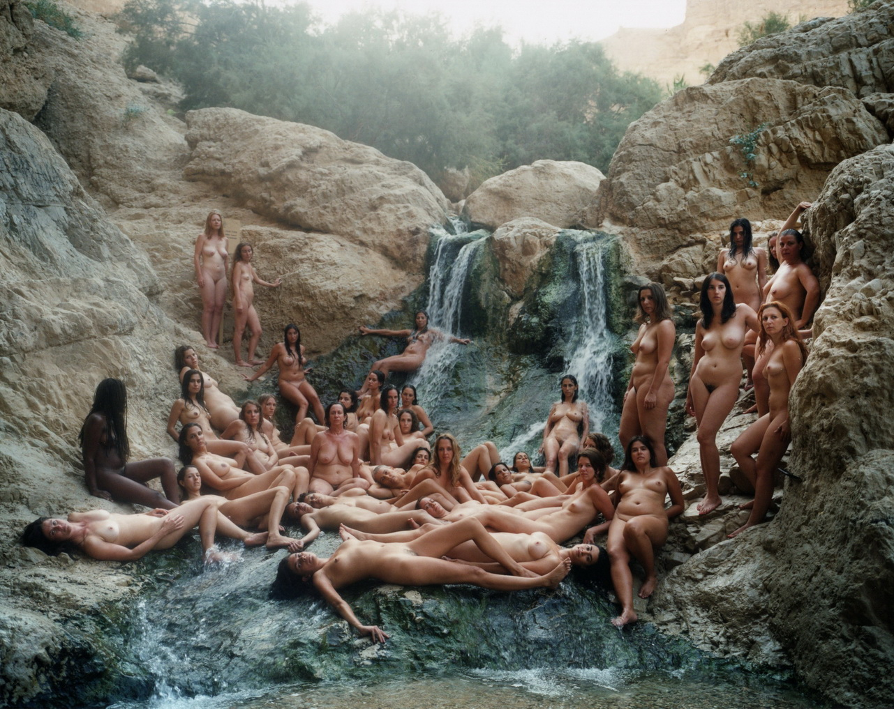 SPENCER TUNICK  naked sea