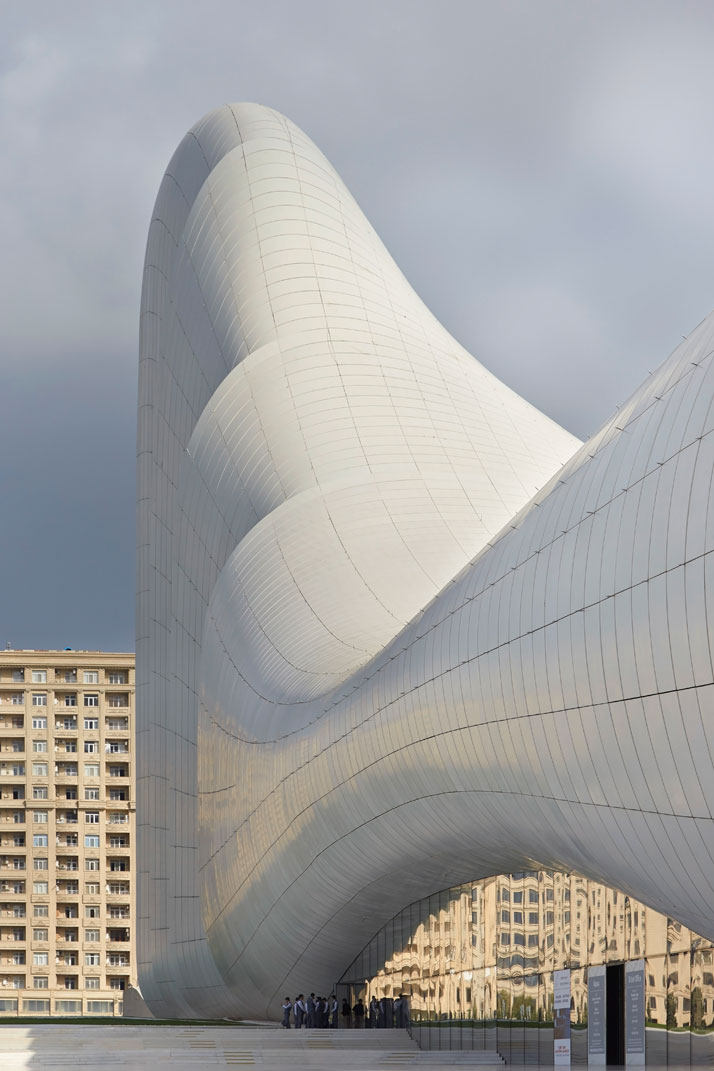 Zaha-Hadid  e Heydar Aliyev Center
