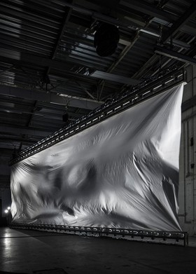 Zimoun 64 ventilators, 98m² polyethyleen foil 0.08mm