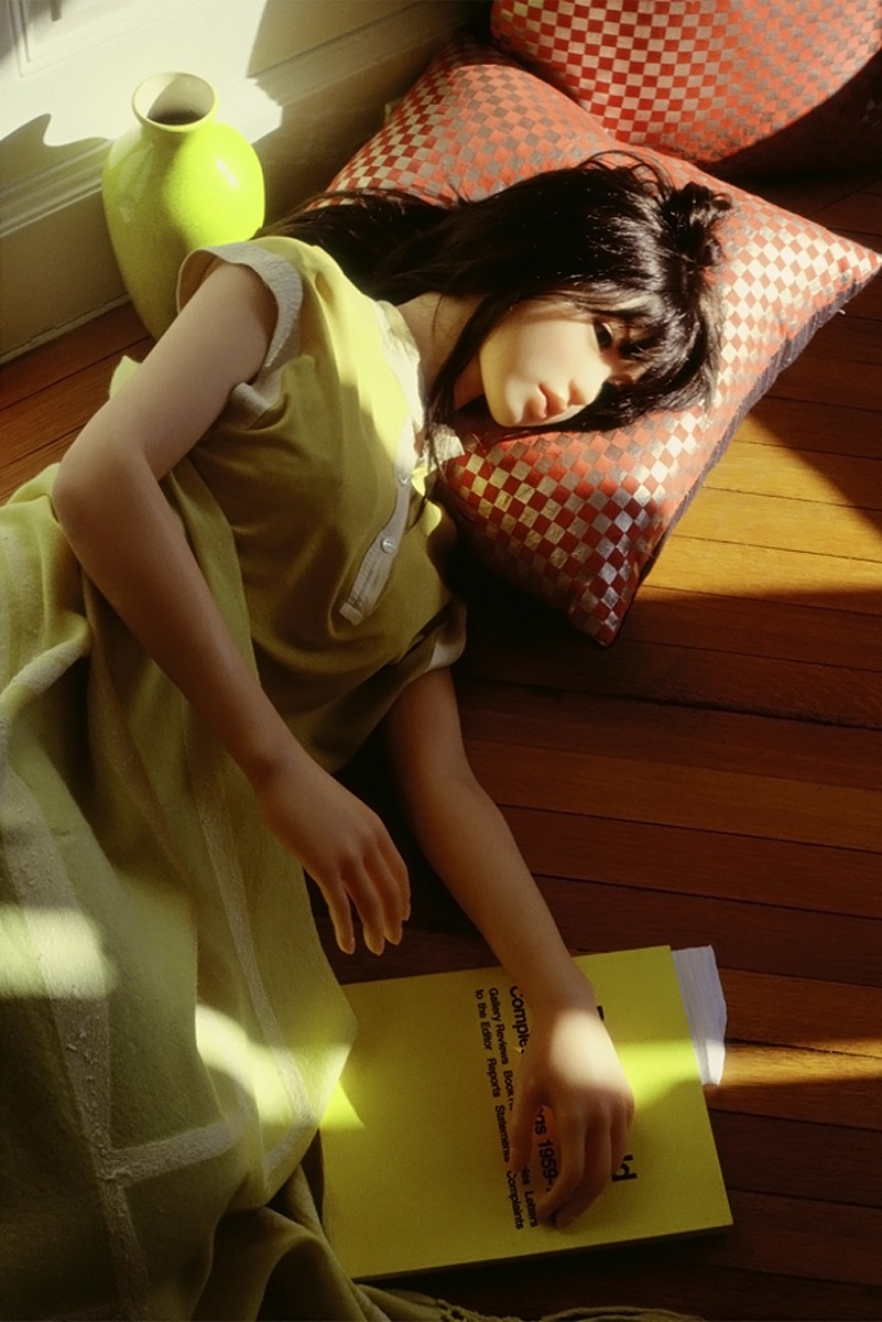 LAURIE SIMMONS 2
