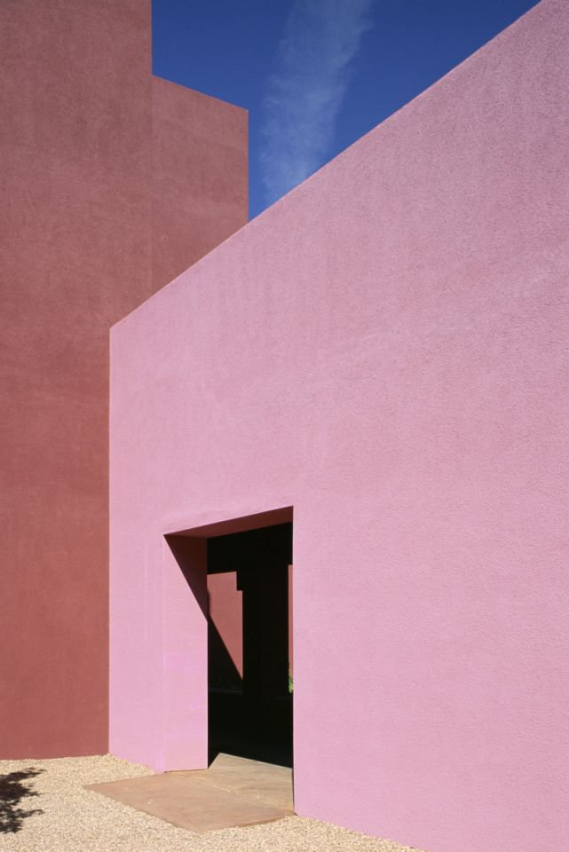 luis barragan pink house
